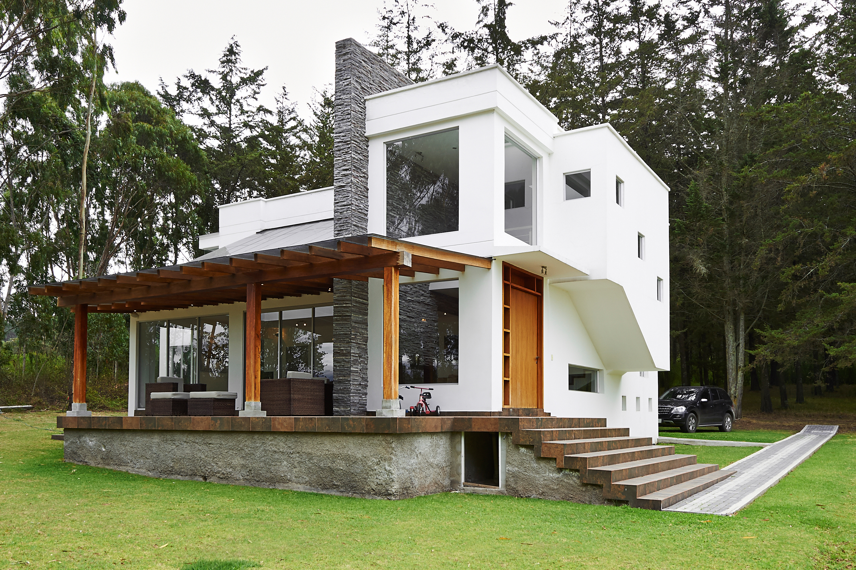 Remodela tu casa para hacerla moderna con estos consejos for Casa moderna madera
