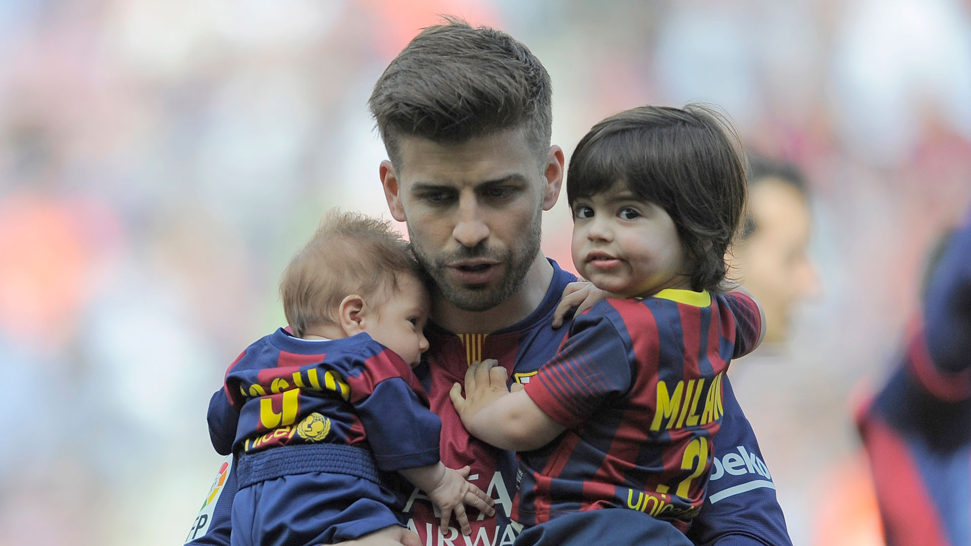 Photo of Gerard Piqué & his  Son  Milan Piqué Mebarak
