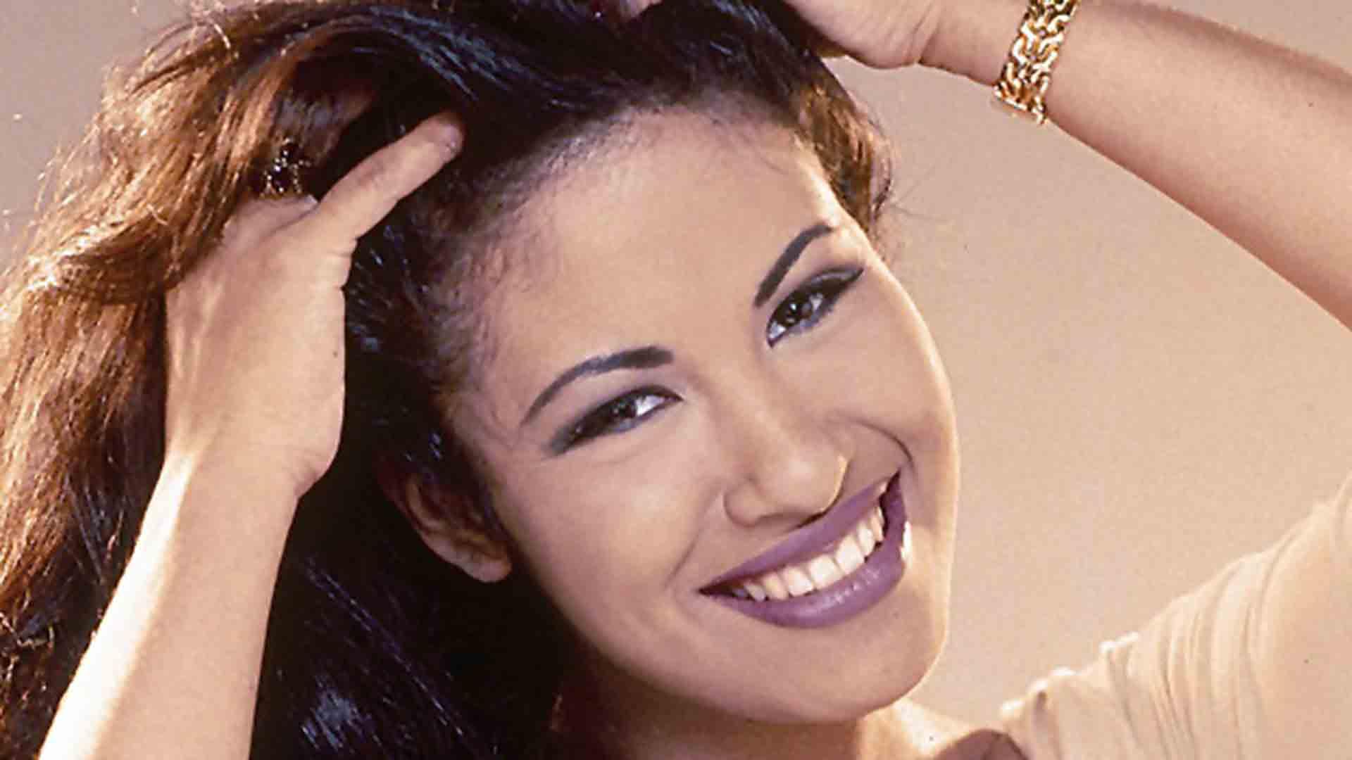 Selen Calendario.Selena S Father Abraham Quintanilla Sues Late Singer S