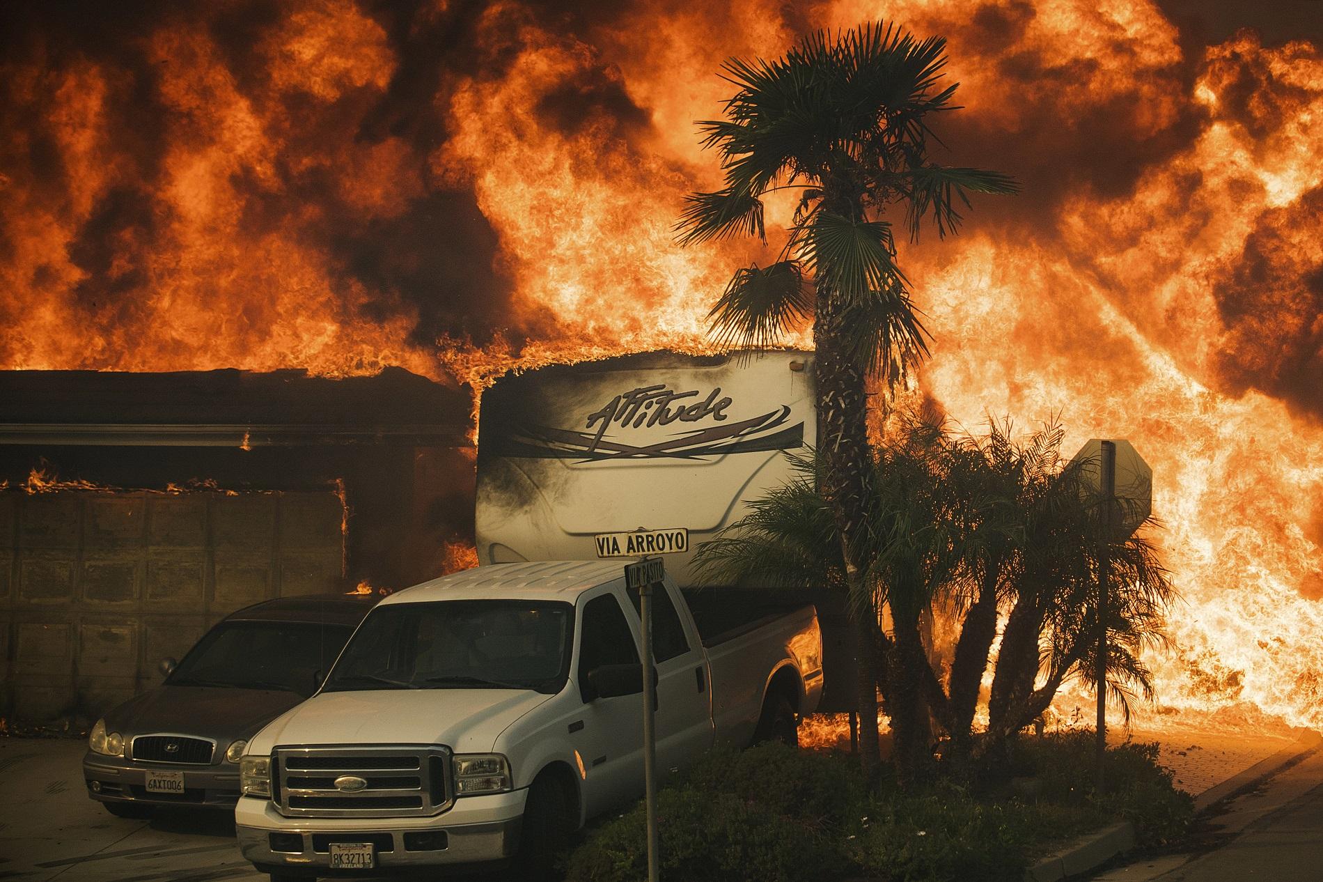 Resultado de imagen para INCENDIOS EN VENTURA,CALIFORNIA