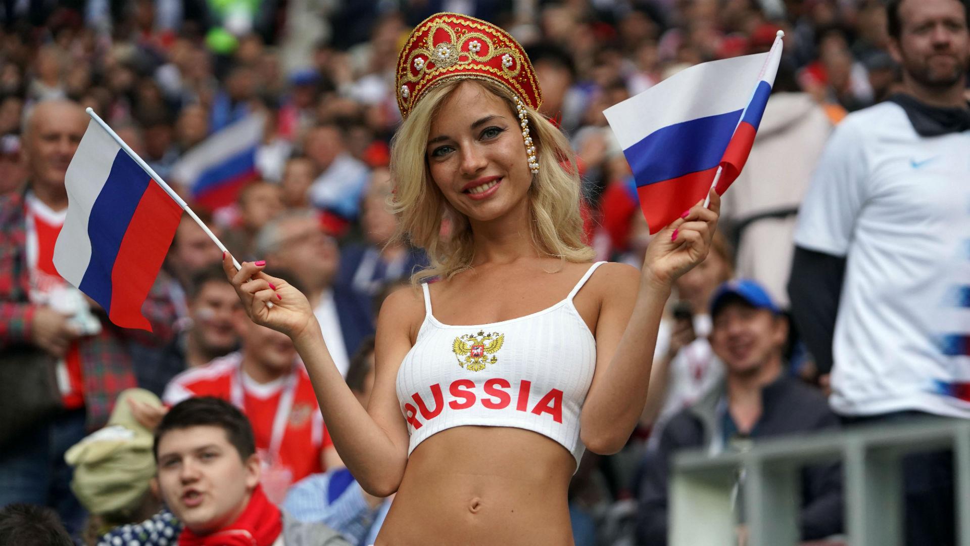 Actrices Porno Rusas Joven descubren que la fan rusa que deslumbró en el mundial es