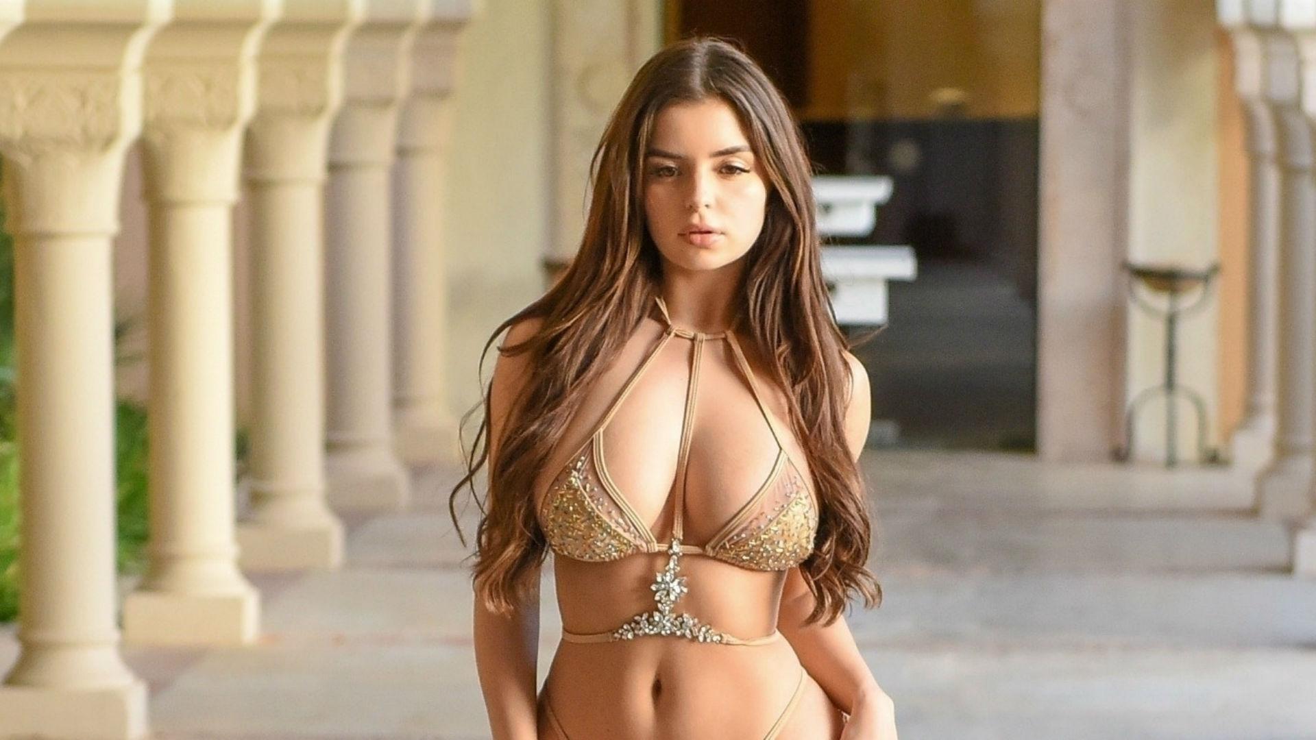 0e11d391e720 Demi Rose deslumbró al posar con un infartante bikini dorado | Telemundo