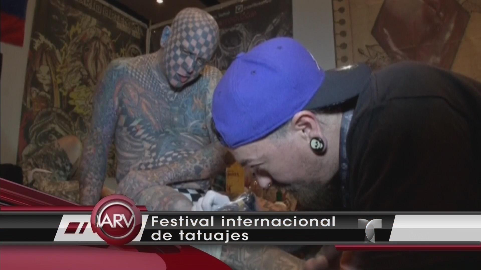 Segundo Hombre Más Tatuado Del Mundo En Festival De Tatuajes Video