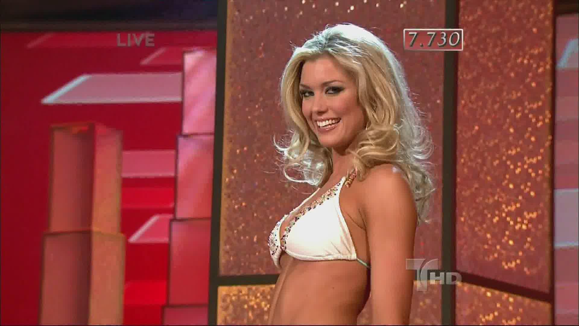 Miss Traje BañoTelemundo En Universo 2009Desfile De UzVMpSq