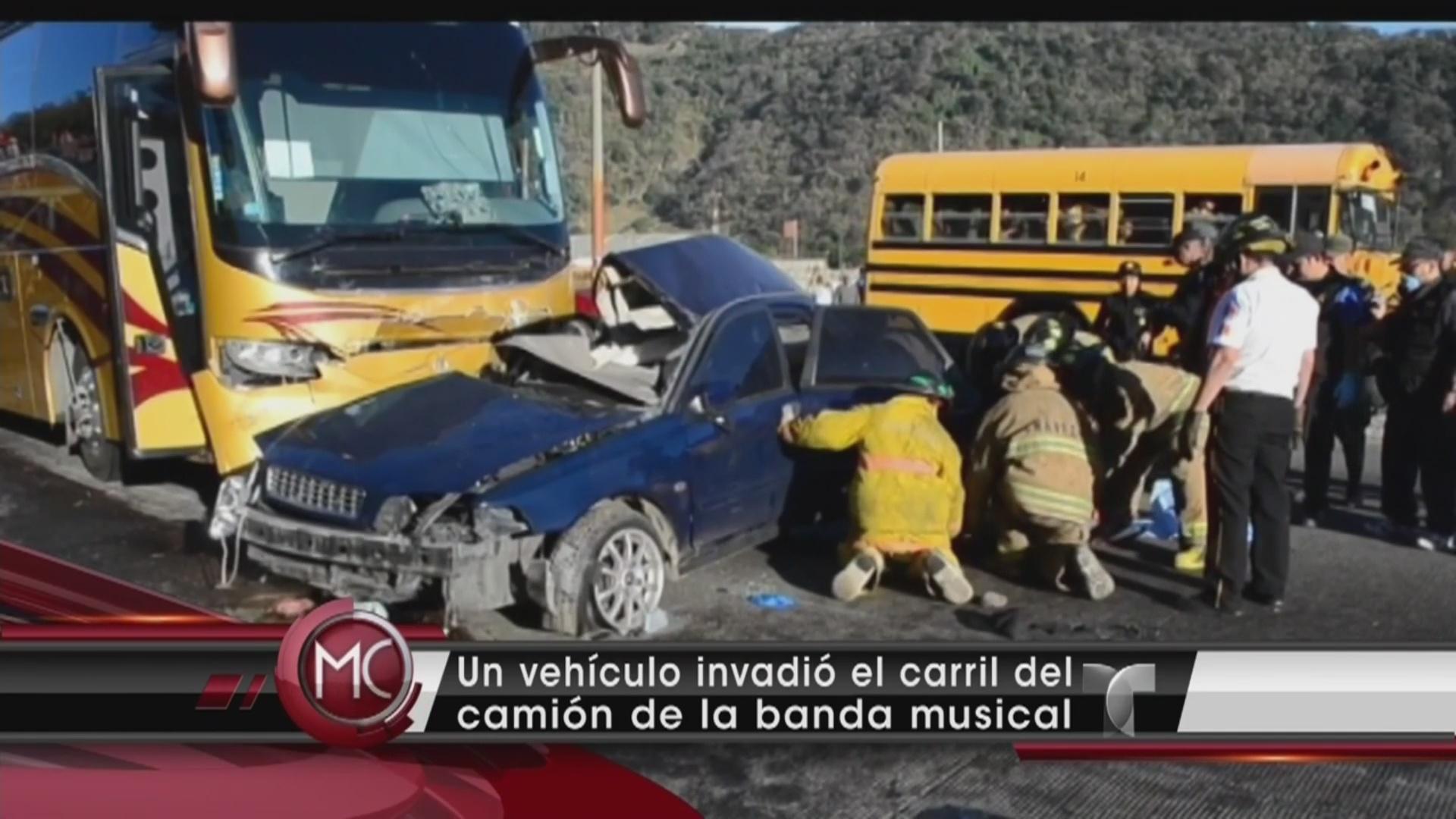 Banda el lim 243 n sufre un accidente de tr 225 nsito video telemundo