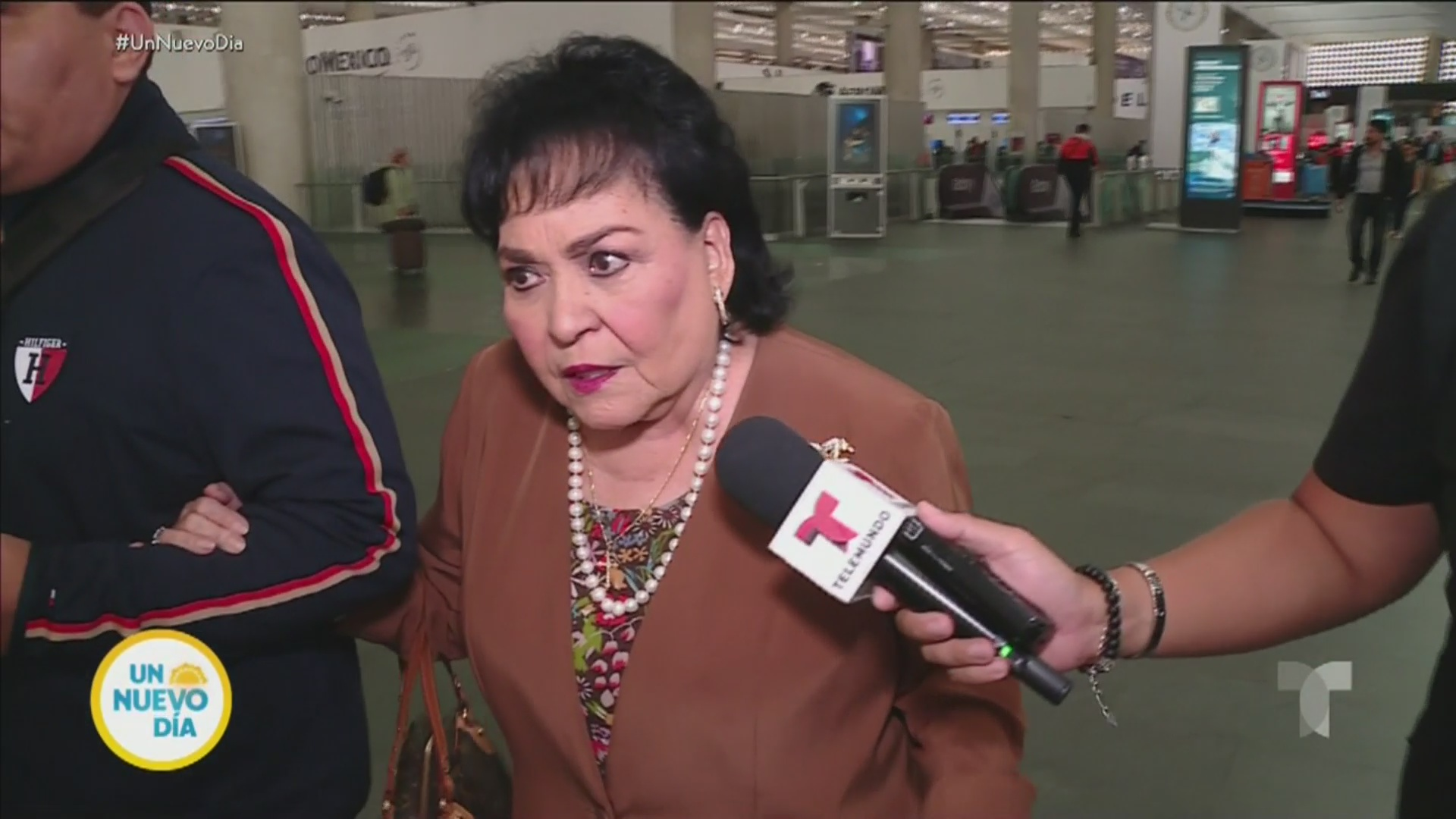 Carmen Salinas no acepta las disculpas de Enrique Guzmán - Telemundo