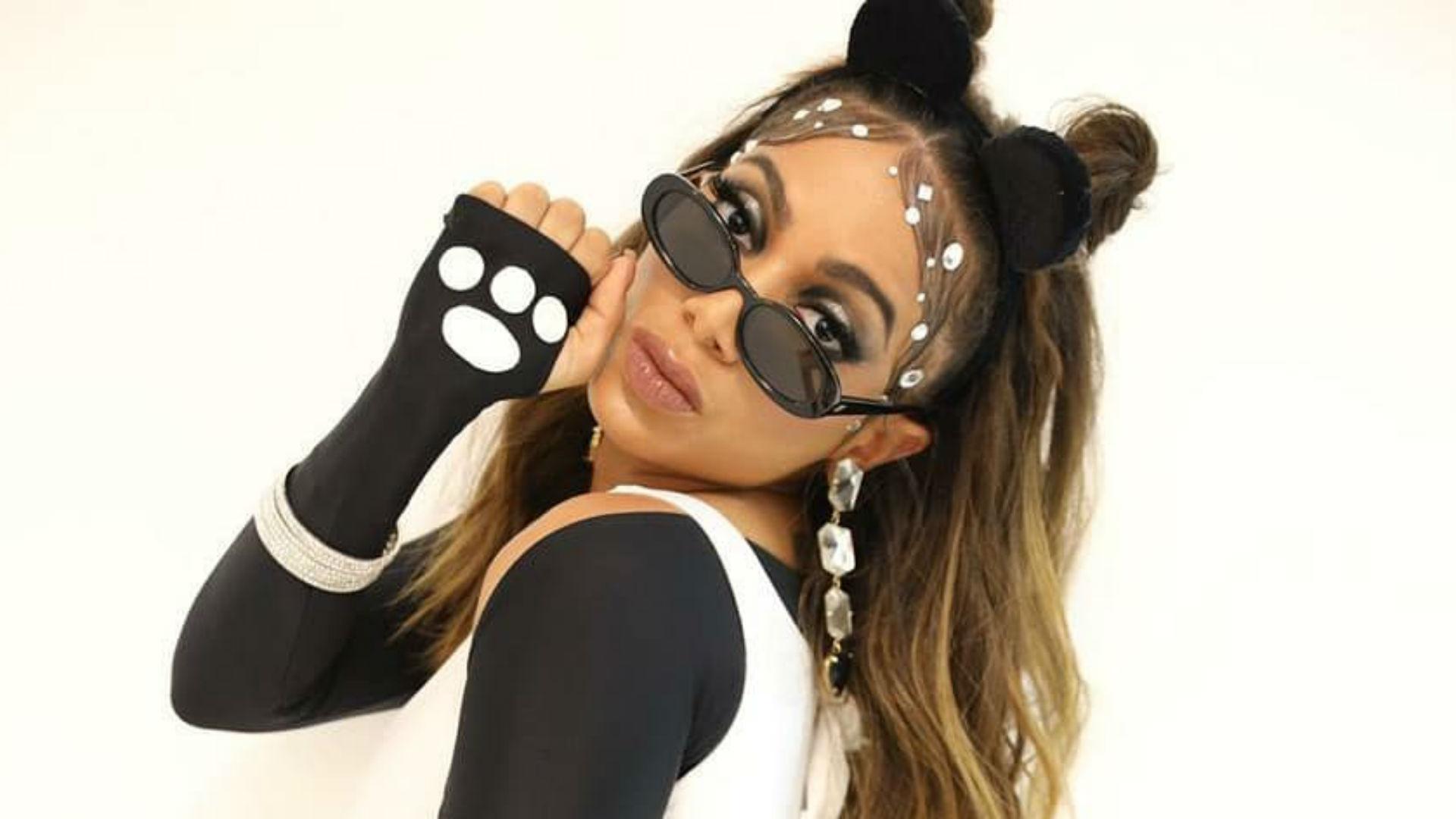 Anitta sacudió sus caderas, y así dio inicio al carnaval de Brasil 2020