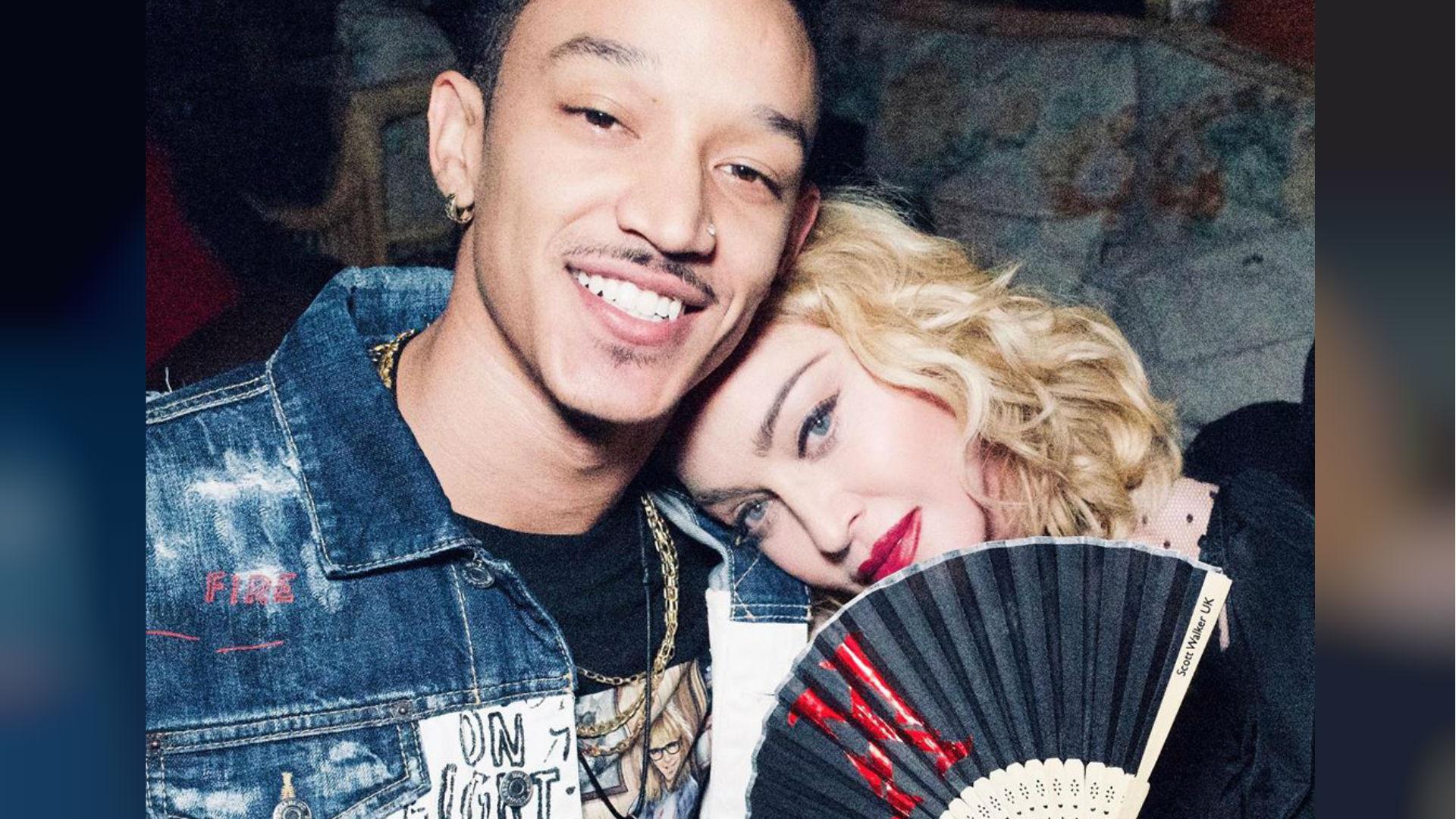 Madonna celebra con su novio de 26 años su nuevo éxito musical