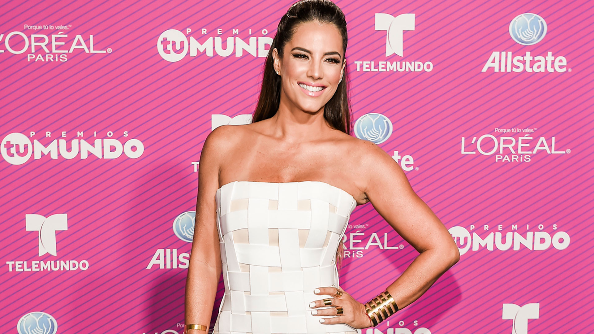 The 10 Looks You Need to See From the Blue Carpet at Premios Tu ...