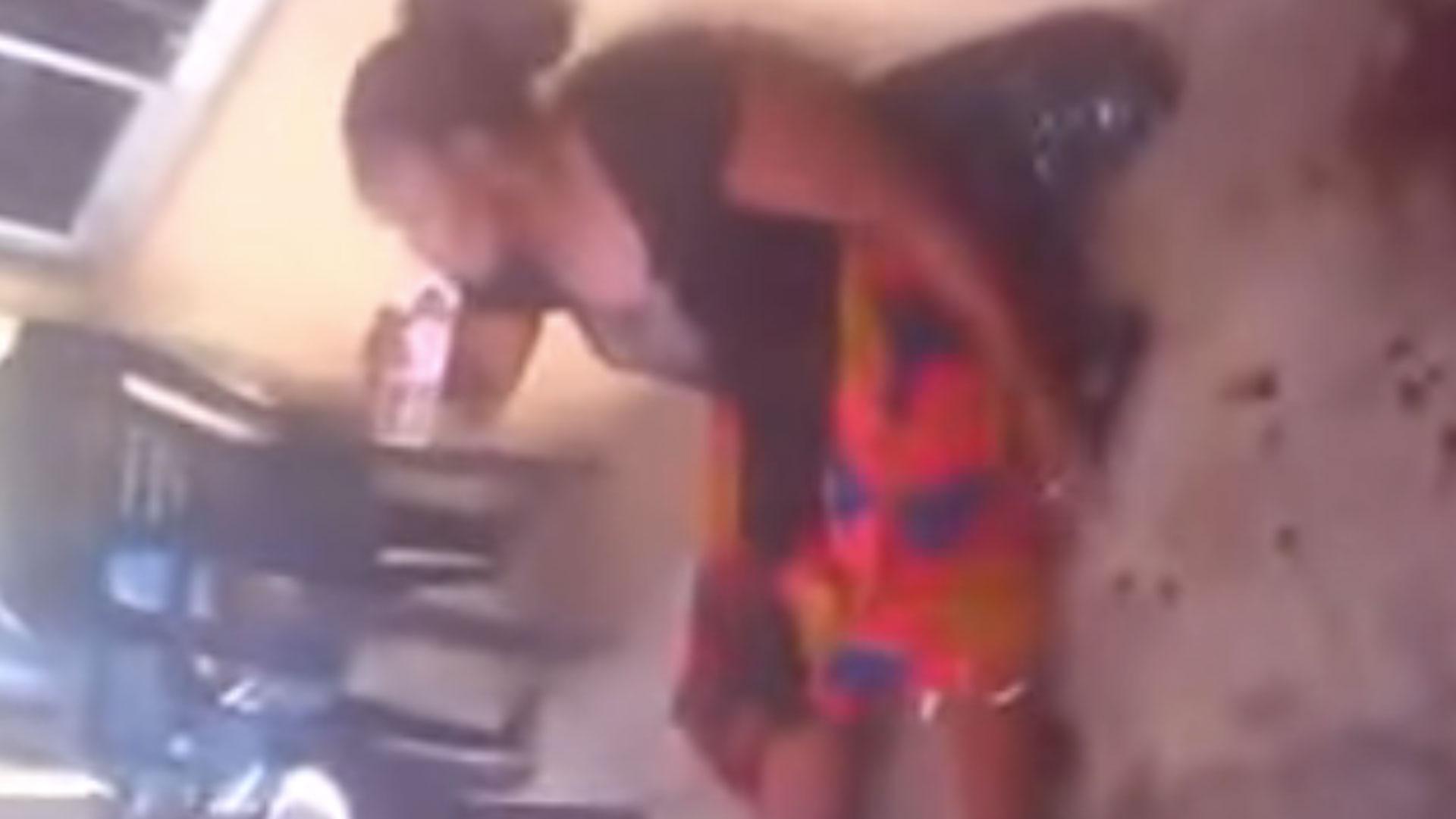 b13183130 Mujer da a luz a una cabra después de dos años de embarazo (VIDEO ...