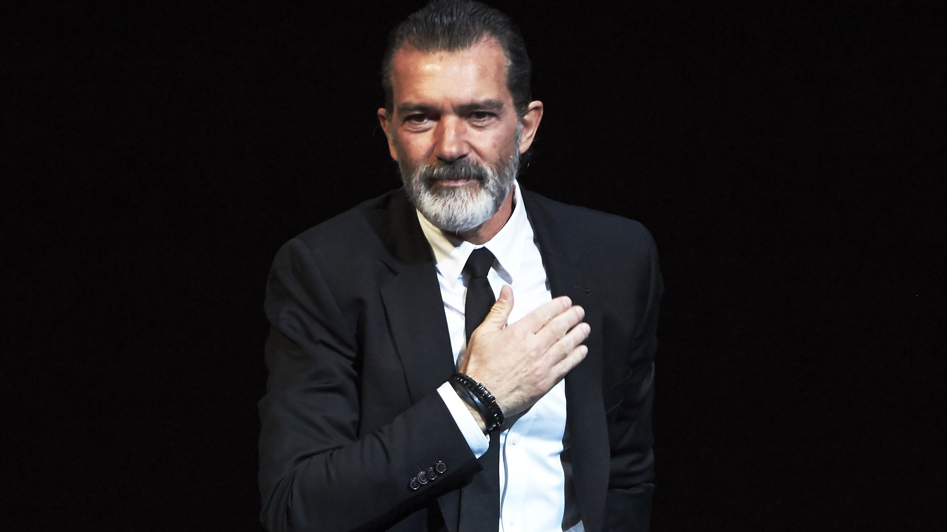 Antonio Banderas reveló que sufrió un infarto y rompió el ...
