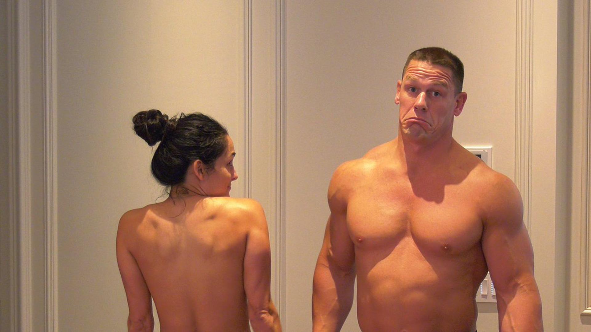Nikki Bella y John Cena bailaron completamente desnudos para sus seguidores  (VIDEO)  84757f5fbef