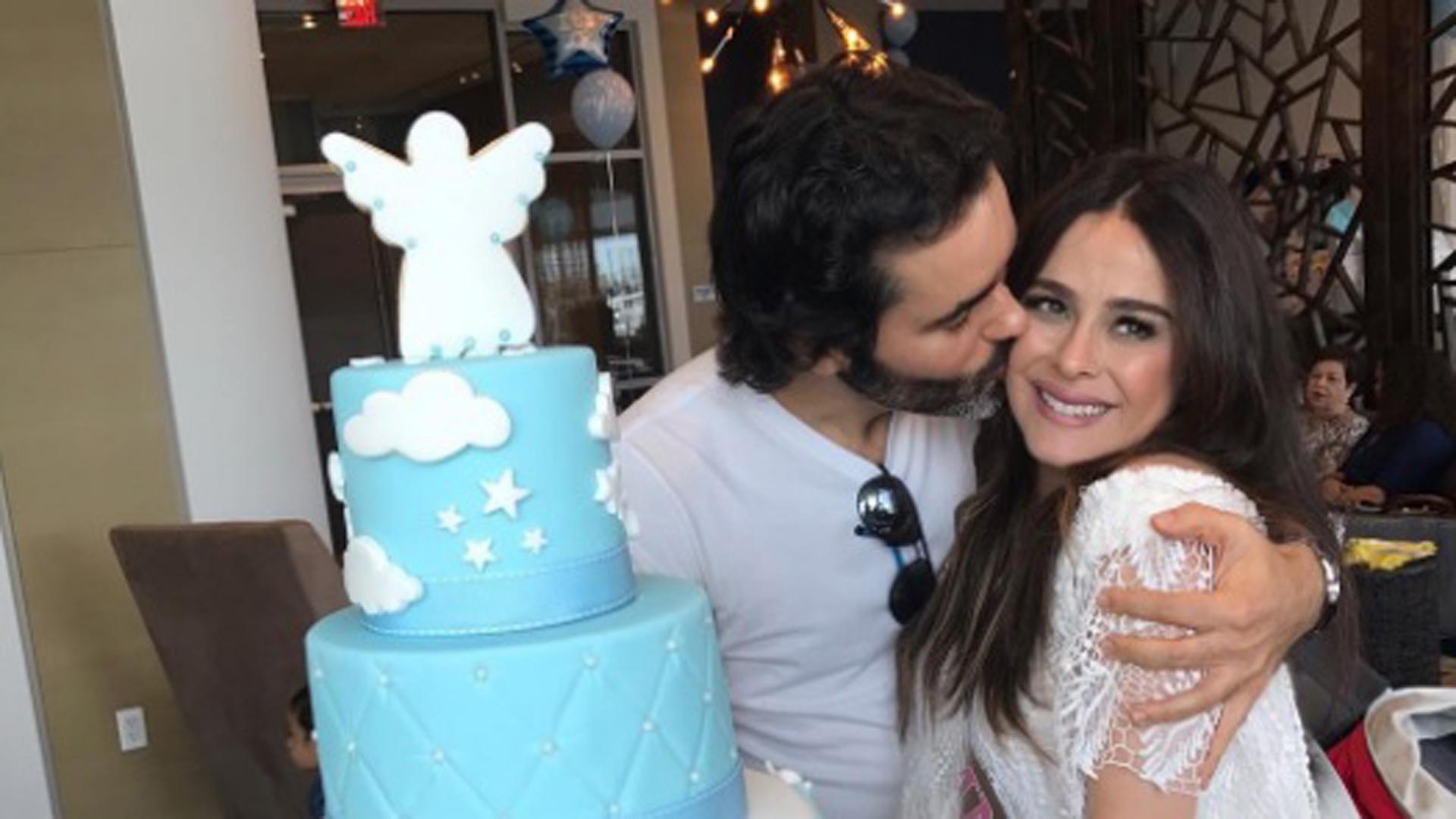 Así celebró Danna García el baby shower de su primer hijo ...