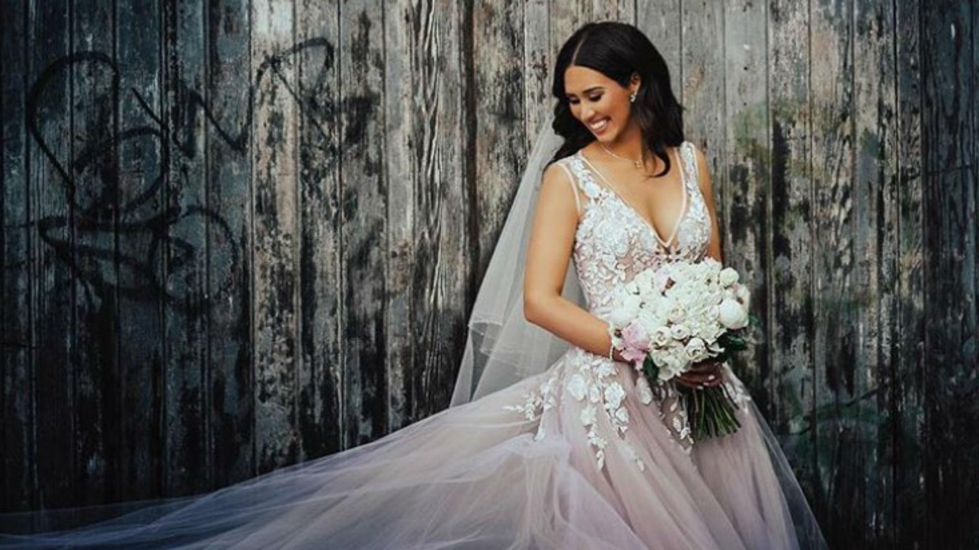 Vestido de novia rosa millennial