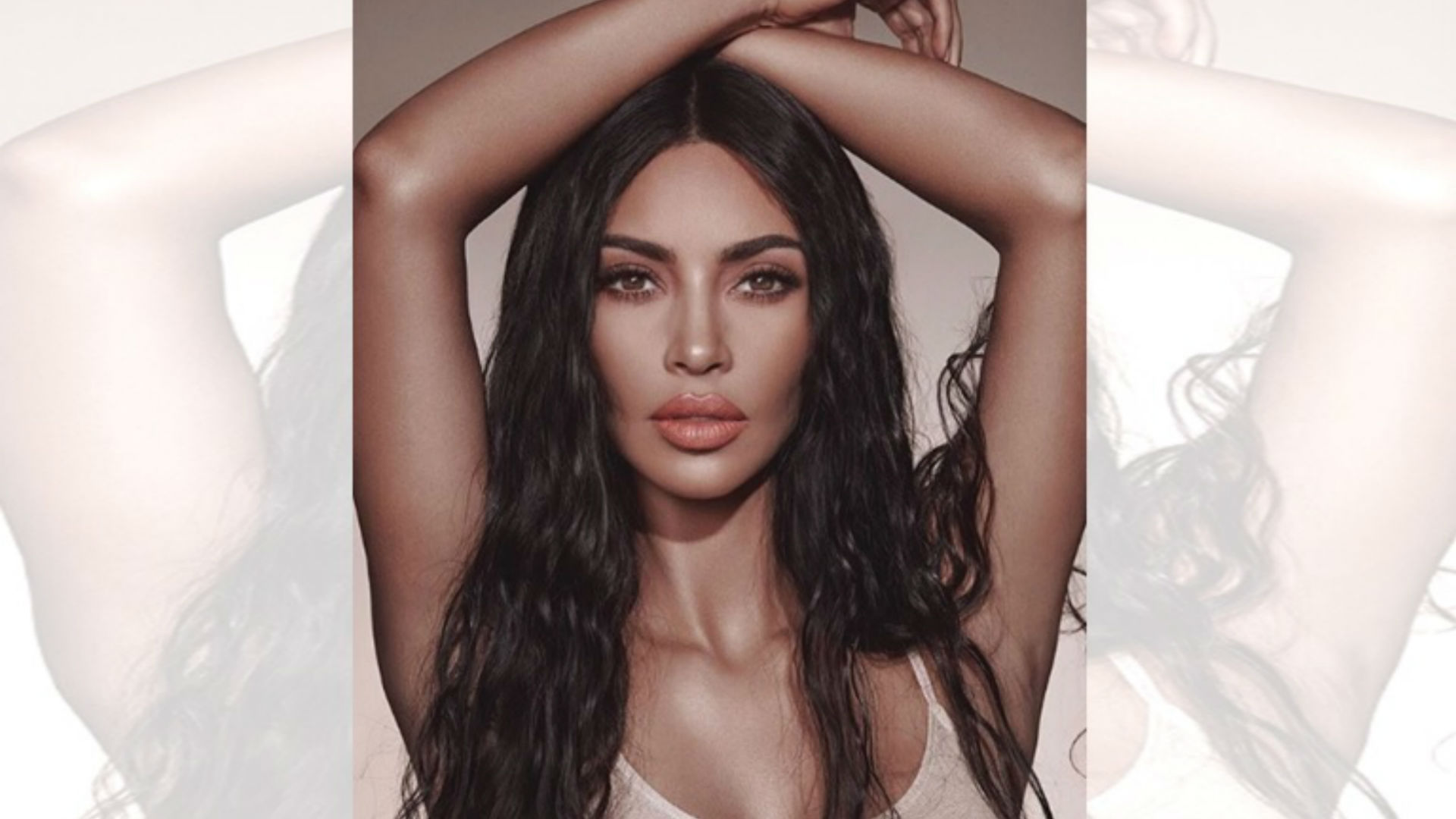Kim Kardashian Aroused By The Neon Color Of Her Hair Photos