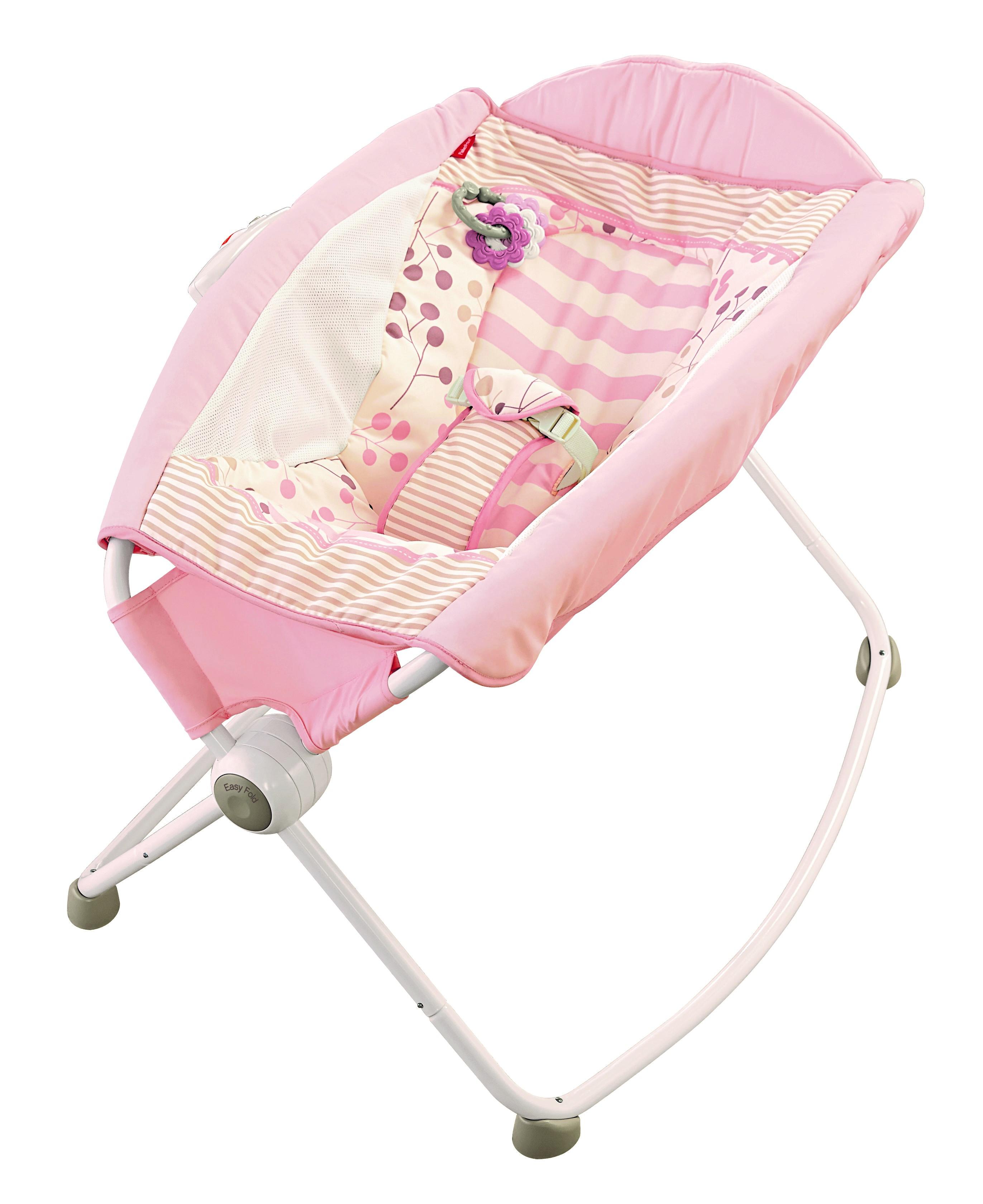 9d5146dcb Fisher Price retira del mercado la silla Rock'n Play Sleepers, al menos 30  infantes han muerto al rodar en ella | Telemundo