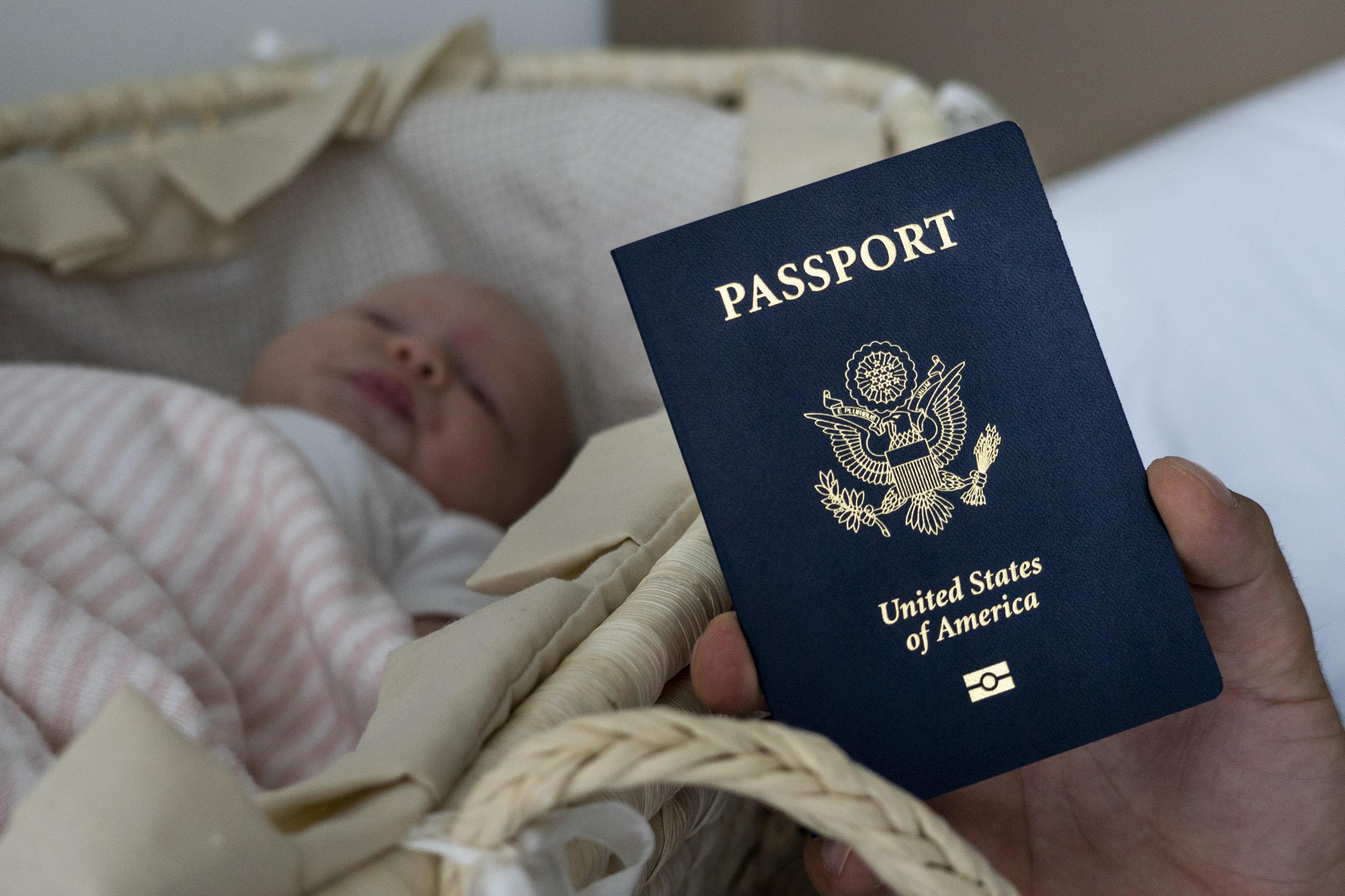 Resultado de imagen para Restringirá Estados Unidos visas a mujeres embarazadas
