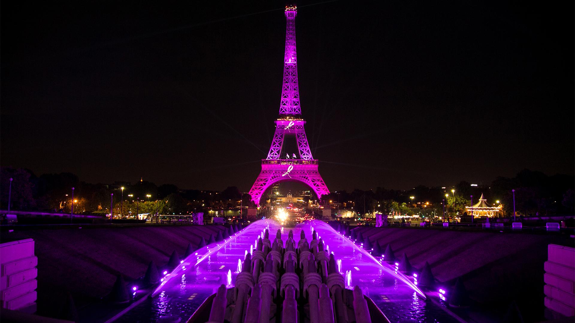 Iluminan La Torre Eiffel Como Parte De La Campaña Sobre