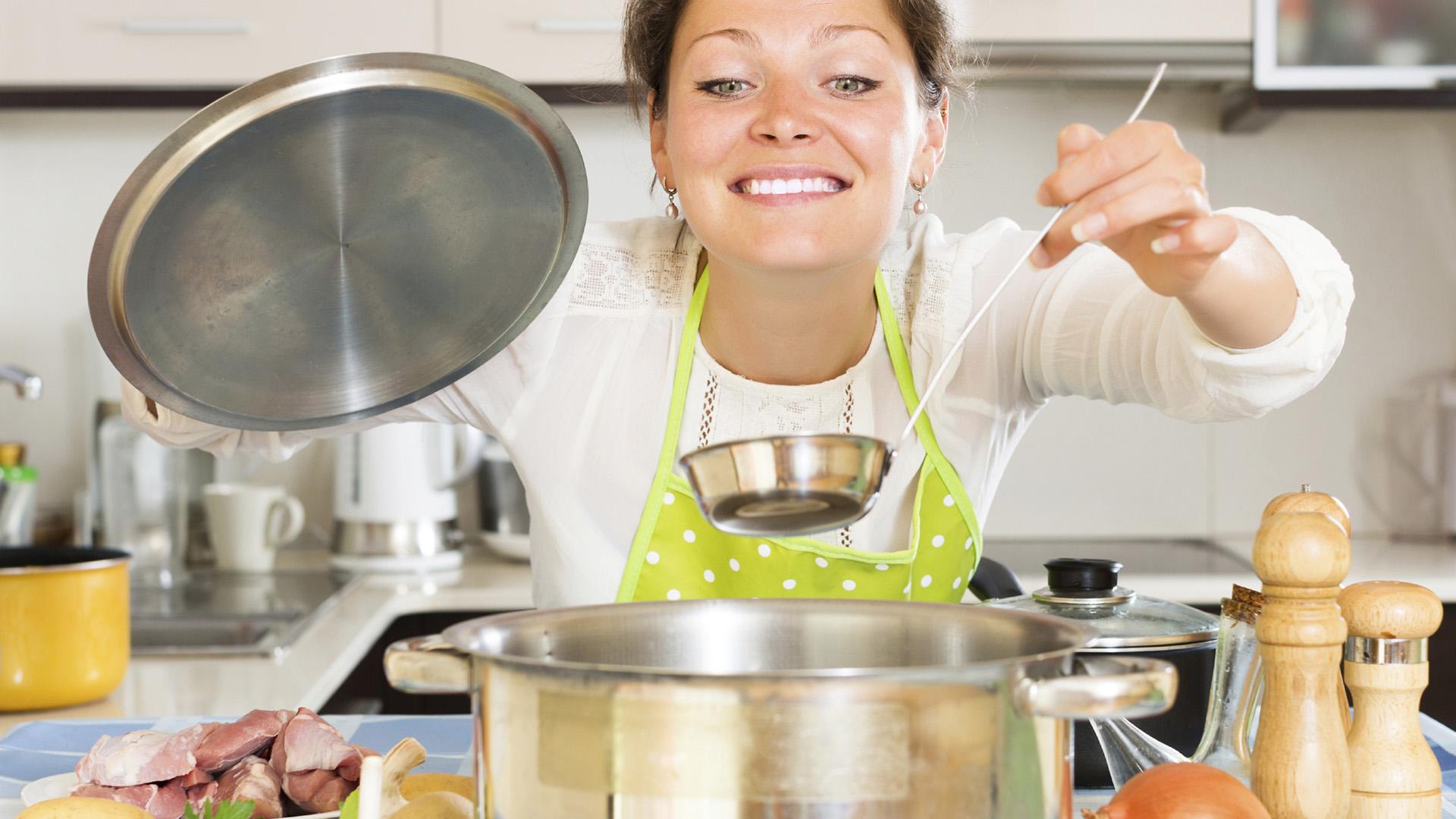 15 trucos para cocinar m s r pido telemundo for Cocinando 15 minutos con jamie