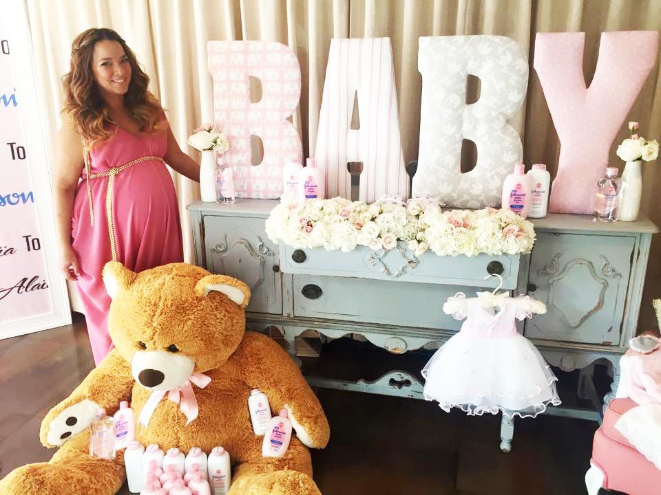 Adamari López Celebró Su Baby Shower Fotos Telemundo