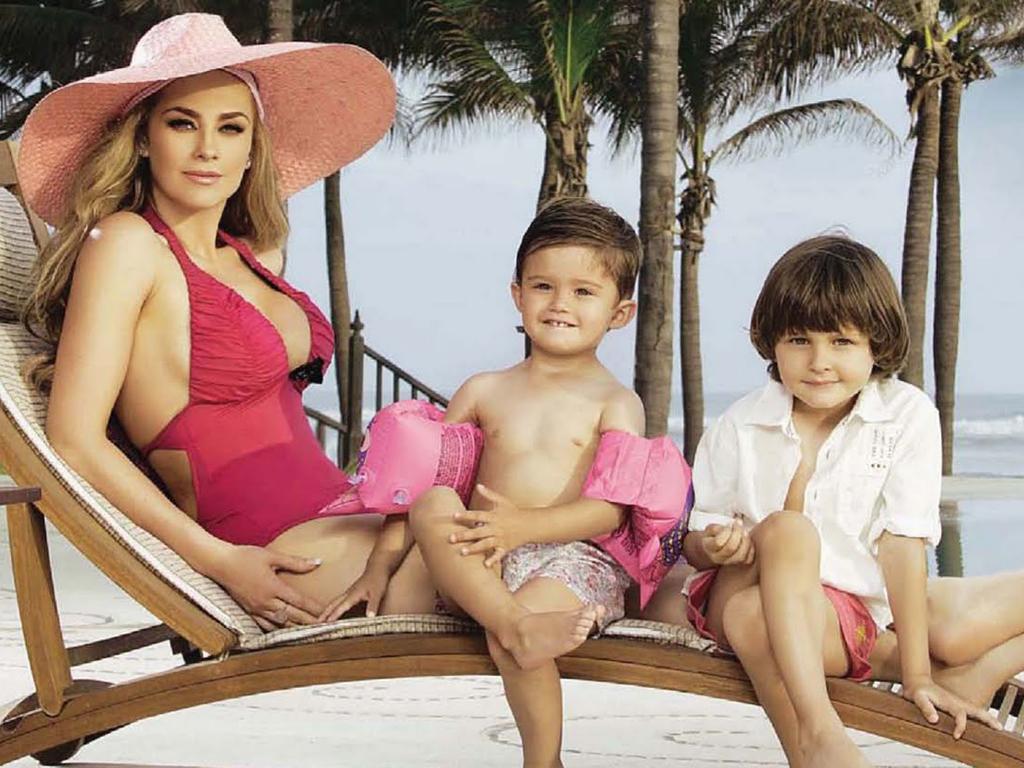 Resultado de imagen para aracely arambula y sus hijos