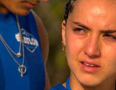 Michelle con lágrimas en los ojos