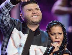 "Alejandra Guzmán & Farruko sing ""Adiós"" at Premios tu Mundo 2015"