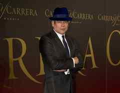 Boris Izaguirre en la alfombra de los premios Maja de los Goya 2011