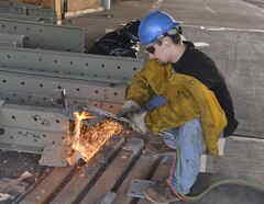 Un informe de la federación sindical AFL-CIO indicó que 5.147 trabajadores sufrieron muertes accidentales en sus trabajos, y cerca de 95.000 murieron por condiciones prevenibles