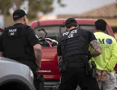 Imagen de archivo de un arresto de ICE el 8 de julio en Escondido (California).