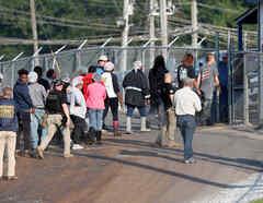 Centro de detención en Mississippi donde se encerró a algunos de los cientos de detenidos por las redadas de la semana pasada