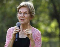 La precandidata demócrata Elizabeth Warren durante un evento en Mount Vernon, Iowa.