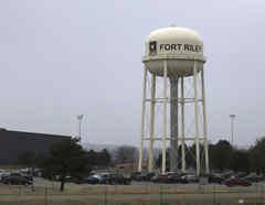 Fotografía de archivo de las afueras del fuerte Riley en Kansas.