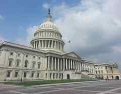 El Senado aún no ha sometido a voto una ley que legaliza de forma permanente a los dreamers