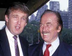 Donald Trump y Fred Trump en julio de 1988 en el Hotel Plaza en la ciudad de Nueva York.