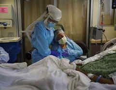 La unidad COVID-19 del St. Jude Medical Center en Fullerton, California