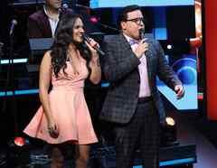 Ana Lorena Sánchez y Raúl González en el estreno de Gran Oportunidad