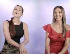Jessica Carrillo y Nastassja Bolívar en Premios Billboard Fashion 360