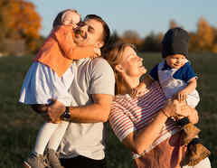 Familia con bebés
