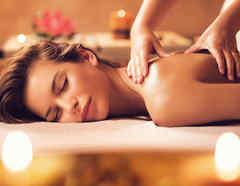 Mujer en masaje