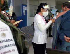 México inicia vacunación en todos sus estados