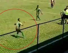 Futbolista finge ser agredido con una piedra durante juego