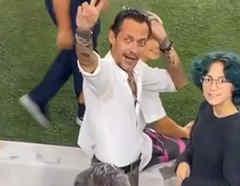 Marc Anthony con su hija Emme, en partido de futbol del Inter de Miami.