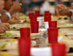 Comedor de centro de detención de ICE en California