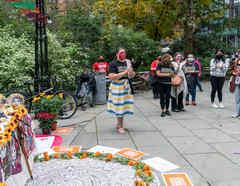 Miembros de la Alianza Nacional de Trabajadoras Domésticas en un mitin en Nueva York