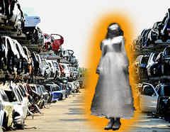 Fantasmas en cementerio de autos