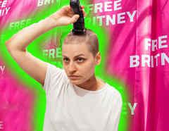 Free Britney fan se rapa