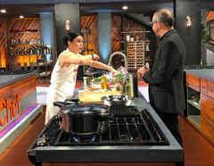 Dubraska Wawi y el Chef Benito Molina en la semifinal de MasterChef Latino 2