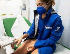 Verónica es atendida en el hospital