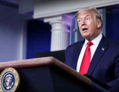 El presidente de Estados Unidos, Donald Trump, habla durante una conferencia de prensa en la sala de conferencias de prensa de Brady en la Casa Blanca en Washington, Estados Unidos.